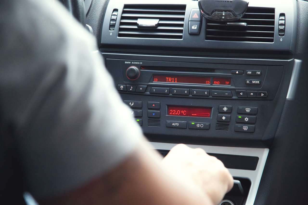 learn spanish while driving listening to radio