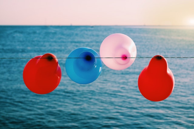 balloons with sea view