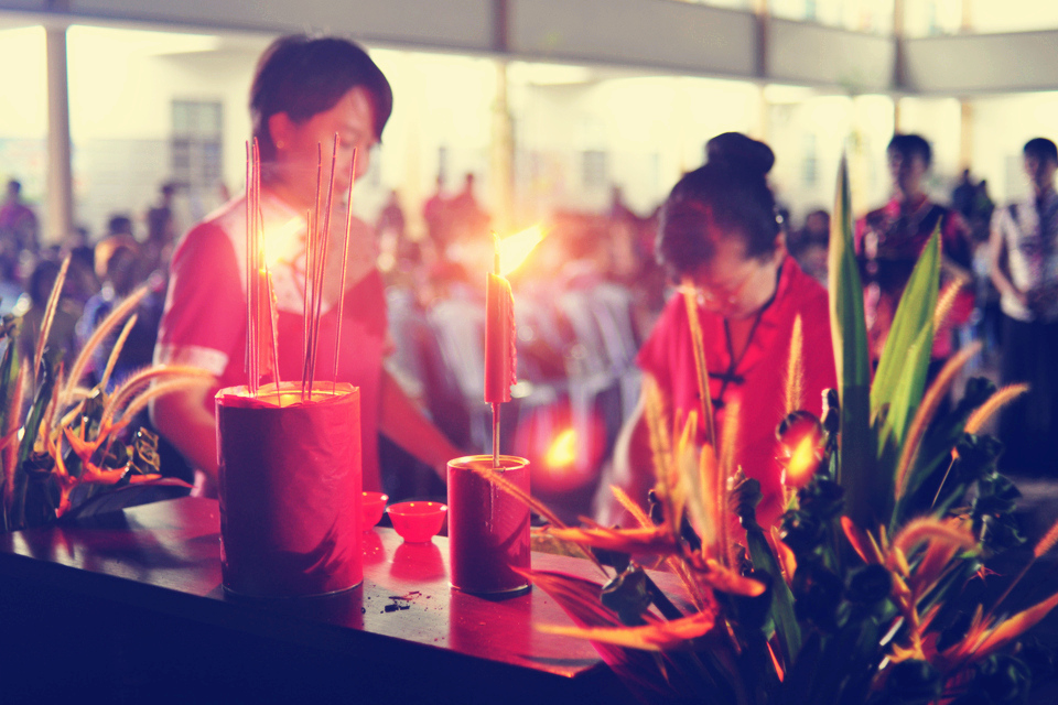 Worship and prayer during mid autumn festival