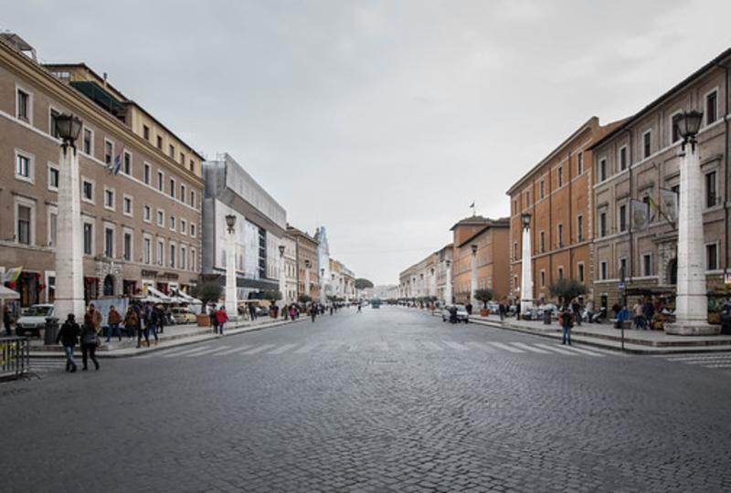 Italian-boulevard