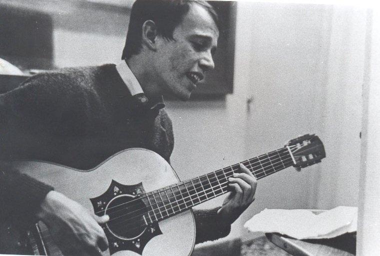 Silvio Rodriguez Learning Spanish Guitar