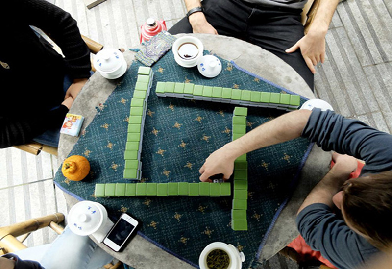 Mahjong tiles and table
