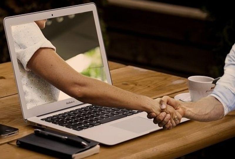 hand shake thru computer
