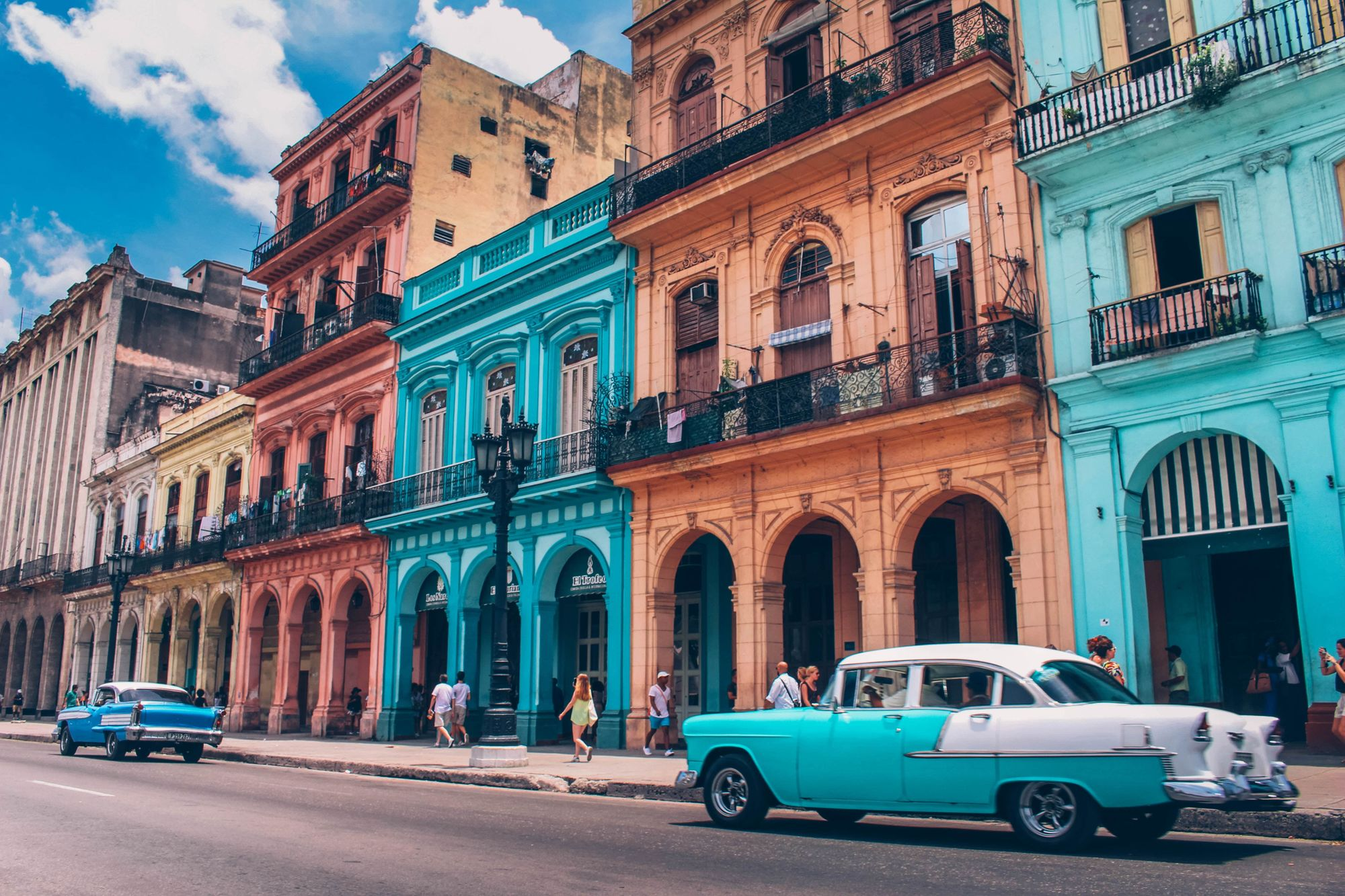 Cuban buildings and cars
