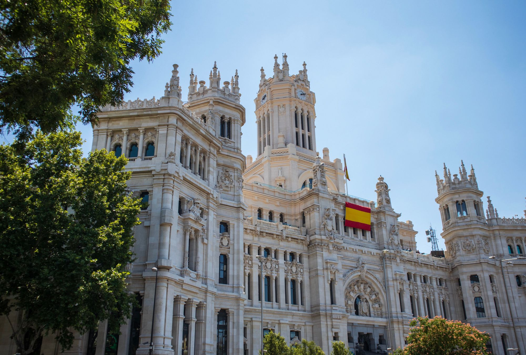 Spanish building with Spanish flag