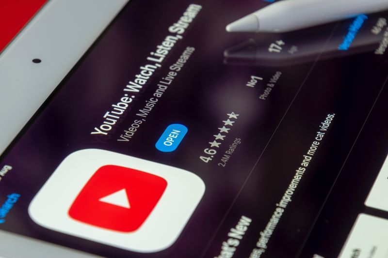 Follow a YouTube channel