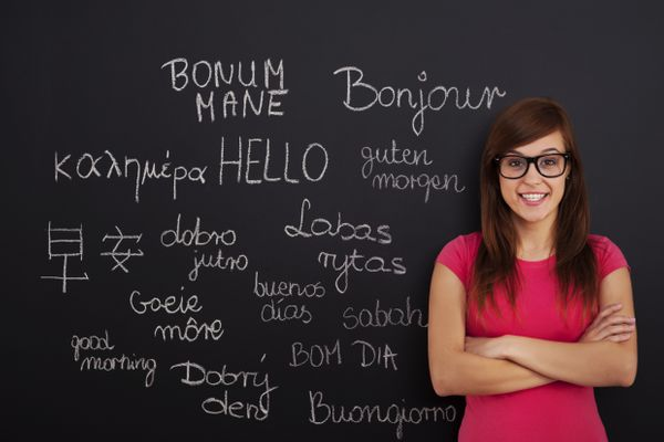 Should You Join a French Class? 6 Pros and Cons of Language Classes